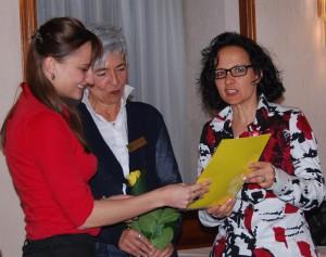 Die Preisträgerin Catharina C. Bott, Präsidentin Hildegard Kusicka und Prof. Dr. Bärbel Renner (v. l. n. r.)